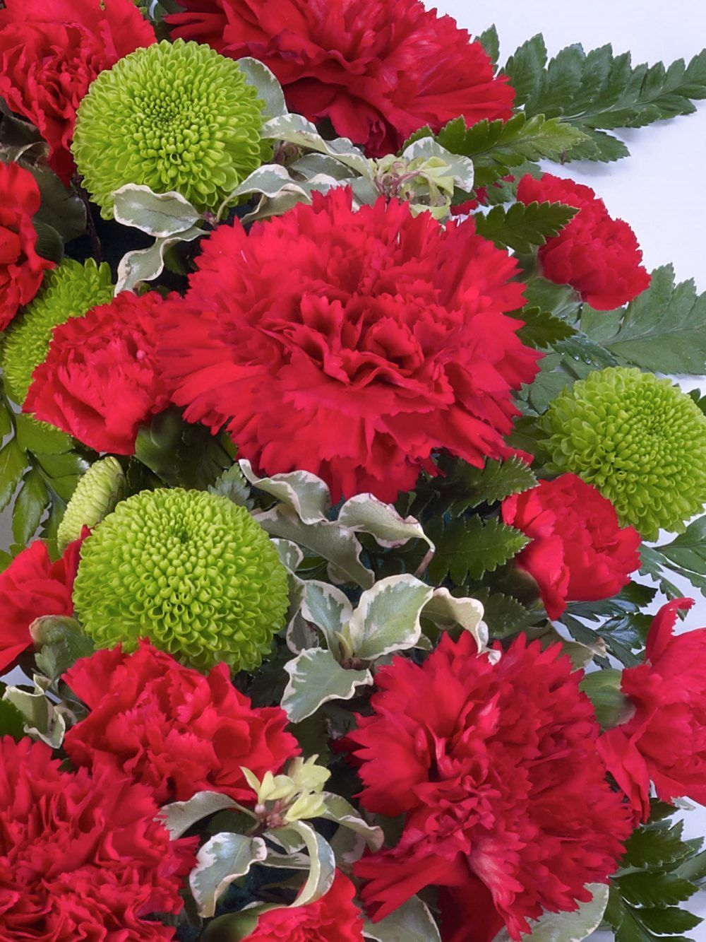 Classic Wreath Red And Green 1